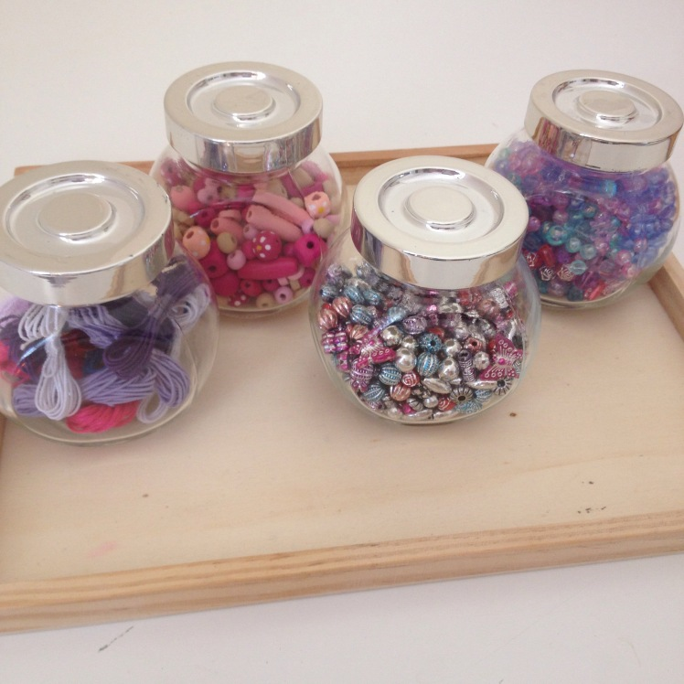 Bead storage glass