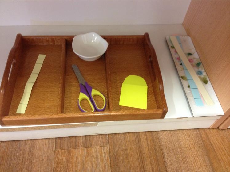 Toddler scissor cutting tray