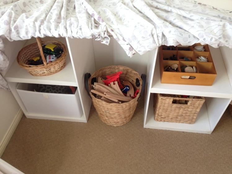 block and loose part storage shelf