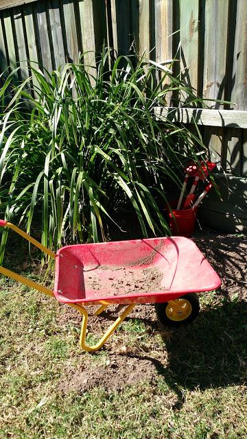 kids-garden-tools