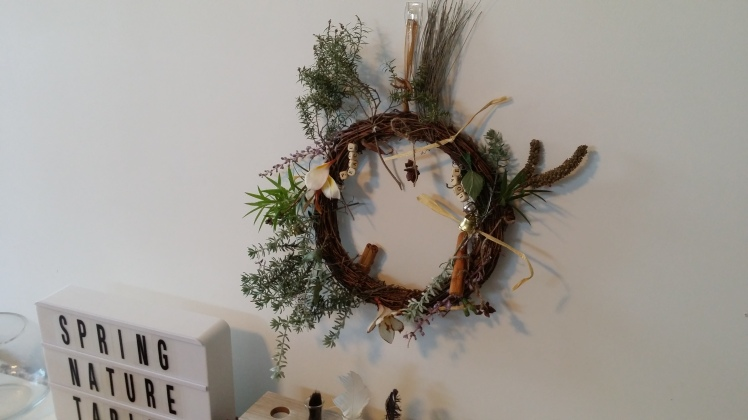 Nature table natural wreath
