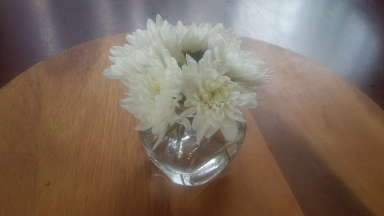 Simple Birthday table flowers