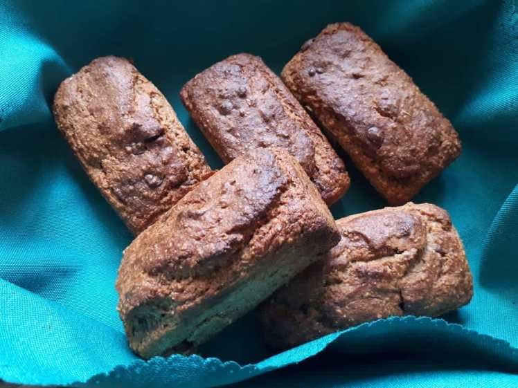 Fathers Day banana bread loaves