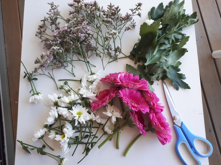 Spring wreath decorating 4