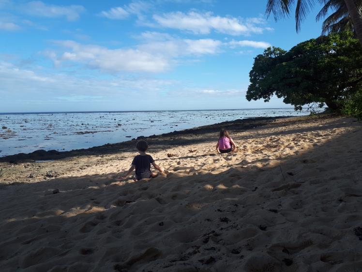Fiji low tide.jpg