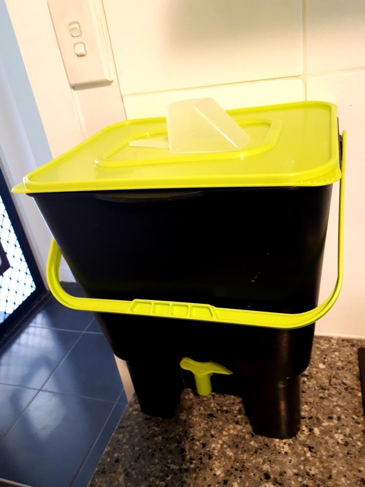 Maze Bokashi indoor composting bin.jpg