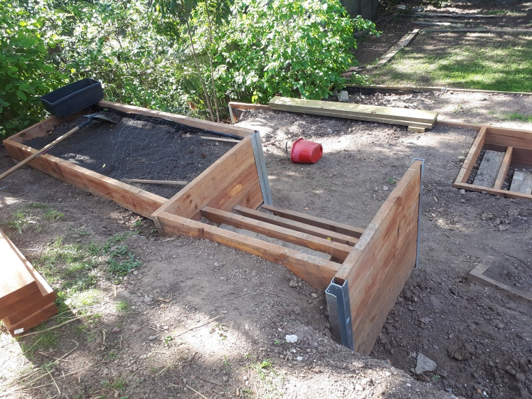 Every Day Begins New DIY retaining wall