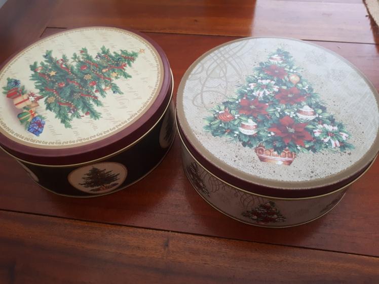 Teacher's gifts- home baked cookies.jpg